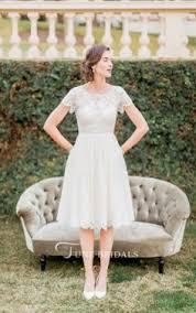 12 <b>Short Wedding Dresses</b> for a Fun, <b>Casual</b> Celebration