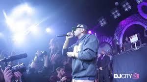 Kendrick Lamar Performs 'Bitch, Don't <b>Kill My Vibe</b>' and 'Backseat ...