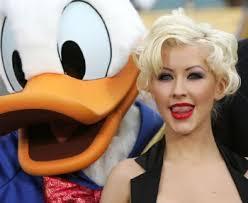 """Christina Aguilera y el pato Donald Claro, que de Australia le separa un océano. Pero no el de Christina Aguilera: """"Soy un océano, porque soy muy profunda. - christinaaguileradonald350"""