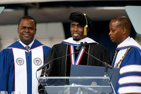 dr puff p diddy receives honourary doctorate from howard 3