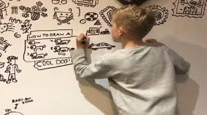 <b>10</b>-Year-Old <b>Artist</b> Hired to Doodle on Restaurant's Wall - YouTube