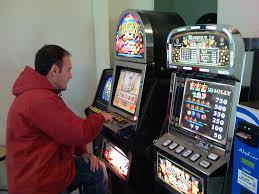 %name Predazzo, non buttate i soldi nelle slot ma investiteli in cultura e relazioni sociali