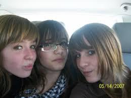 HELENE <b>CAMILLE FLORE</b>. Helene , Camille et Flore dans le mini bus - 2414082585_small_1