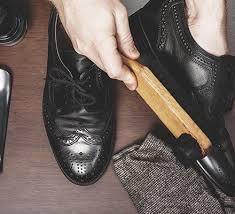 Как пользоваться <b>черным воском для обуви</b>?
