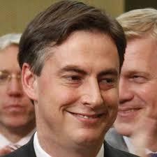 Der CDU-Politiker David McAllister ist am Donnerstag zum neuen ... - mcallister-zum-niedersaechsischen-regierungschef-gewaehlt-9899736