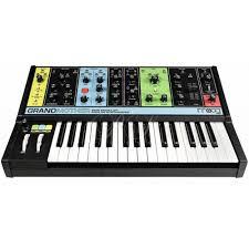 <b>Moog Grandmother</b>. <b>Синтезатор</b>: цена, фото, отзывы
