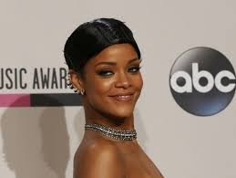 An Ode To Rihanna And Her Doobie Wrap - enhanced-buzz-19319-1385395136-25
