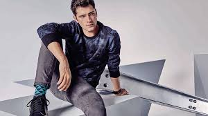 How to <b>Wear Men's Casual Clothing</b> - The Trend Spotter