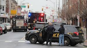 Jersey <b>City</b> shootout: Police officer among 6 killed in shooting ...