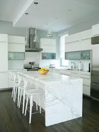 calacatta marble kitchen waterfall: aver   bilder om kitchen pa pinterestaar moderna kak och vita skap