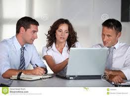 Resultado de imagem para imagens em reunião de trabalho