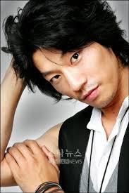 Archivo:Lee Chun Hee9.jpg - Lee_Chun_Hee9