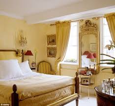 colours for a bedroom: gilded people who have luxurious gold rooms do not get a proper full night of