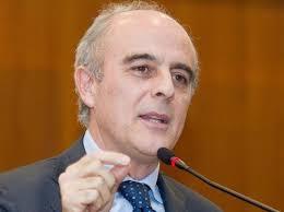 """Lucio Romano: """"Grillo, il tuo è cinismo disperato"""". 2. Napoli- """"Ormai il cinismo disperato è il tratto che domina Grillo. Non solo usa strumentalmente la ... - 2-e1397639239613"""