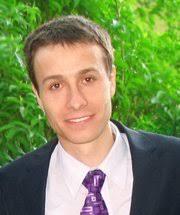 Gabriel Florea, studentul care a reuşit să obţină Locul II în competiţia Studentul Anului la categoria Economie, continuă să lupte în slujba excelenţei. - gabriel-florea