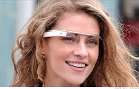 chica con google glass