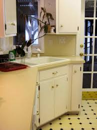 Kitchen Cabinet Makeover Diy Budget Friendly Before And After Kitchen Makeovers Diy