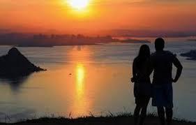 Resultado de imagem para imagens de um casal feliz