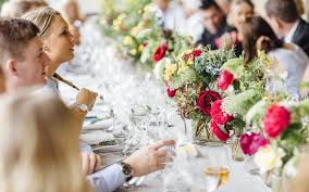gardens house wedding flowers melbourne pomp and splendour i ve been blessed a really great team do you want to join us from spring onwards can you drive a manual van what other fabulous skills can you bring