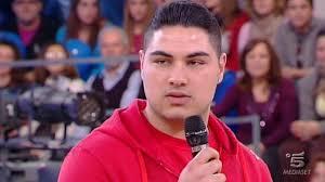 Ruben Mendes è un nuovo concorrente dell'undicesima edizione di Amici. Il cantante ha sostenuto una. - Schermata_2012-03-03_a_14.31.57-600x337