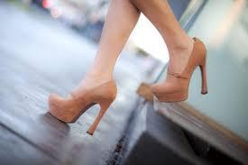 Qadınlar niyə dikdaban ayaqqabıları sevir?