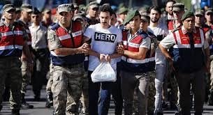Hero tişörtü giyen sanığın avukatı tutuklandı