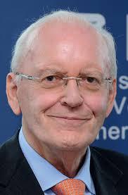 Prof. Dr. Roman Herzog, Schirmherr des Deutschen Instituts für Vertrauen und Sicherheit im Internet (DIVSI). Als ich im November 2012 die Schirmherrschaft ... - DIVSI-Entscheiderstudie-Seite-06-Roman-Herzog