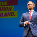 Christian Lindner eifert Emmanuel Macron nach