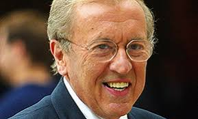 4 Stars and politicians pay tribute to veteran broadcaster Sir David Frost - david-frost--e