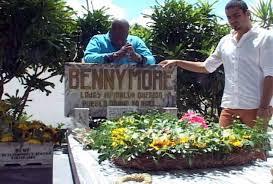 Resultado de imagen para Johnny Ventura rinde tributo a Benny Moré. fotos