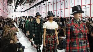 <b>Fall</b>-<b>Winter 2019</b>-2020 Ready-to-Wear Show - <b>Women's</b> Fashion - Dior