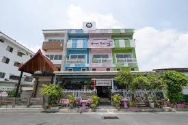 OYO 906 Bann <b>One Love</b> Guesthouse/bed and breakfast (Ayutthaya ...