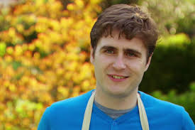great british bake off twitter couldn t handle selasi s tom is kicked off gbbo after unimpressive hipster picnic showstopper