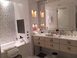 bathroom suite mandarin: mandarin oriental paris deluxe suite bathroom