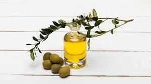 <b>Оливковое масло для лица</b>: польза и как применять в уходе за ...