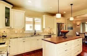 cream glazed kitchen cabinets maple