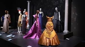 Museum at FIT covers <b>50</b> years of fashion with Alexander McQueen ...