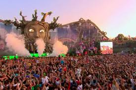 Se rumorea que en Venezuela se festejara un Tomorrowland a finales de el presente año. Se festejara en la capital de Caracas.