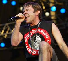 Resultado de imagem para banda de rock Iron Maiden, Bruce Dickinson