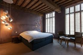 contaporary rustic bedroom
