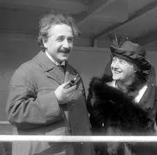 Albert Einstein Biography | Biography Online