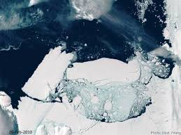 Giant iceberg breaks off from Antarctic glacier - Reuters