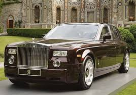 Rolls Royce car - Color: Black  // Description: classy