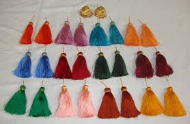 <b>Wholesale Lot</b> of <b>25</b> Handicraft jewelery Lotan earring sets with tassles
