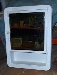 Rustic Wood Medicine Cabinet Over The Door Medicine Cabinet Cabinets Mirrors Vintagebathroom