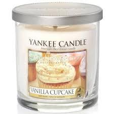 <b>ароматическая свеча</b> yankee candle <b>vanilla cupcake</b> / ванильный ...