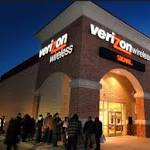 Verizon will Lock Phones Despite FCC Rules Against it