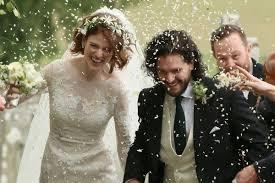 <b>Джон Сноу</b> женился на одичалой Игритт - МК
