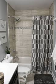 small bathroom designs with tub