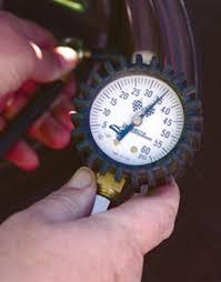 <b>датчик давления в шинах</b> - Tire-pressure gauge - qwe.wiki
